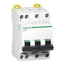 disjoncteur modulaire Multi 9 DT40 3 pôles plus N 10 A courbe C